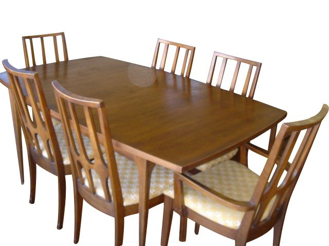 Favorite A Set Of Broyhill Brasilia Dining Table & 6 Chairs Price Reduced In Helms 6 Piece Rectangle Dining Sets With Side Chairs (View 5 of 20)