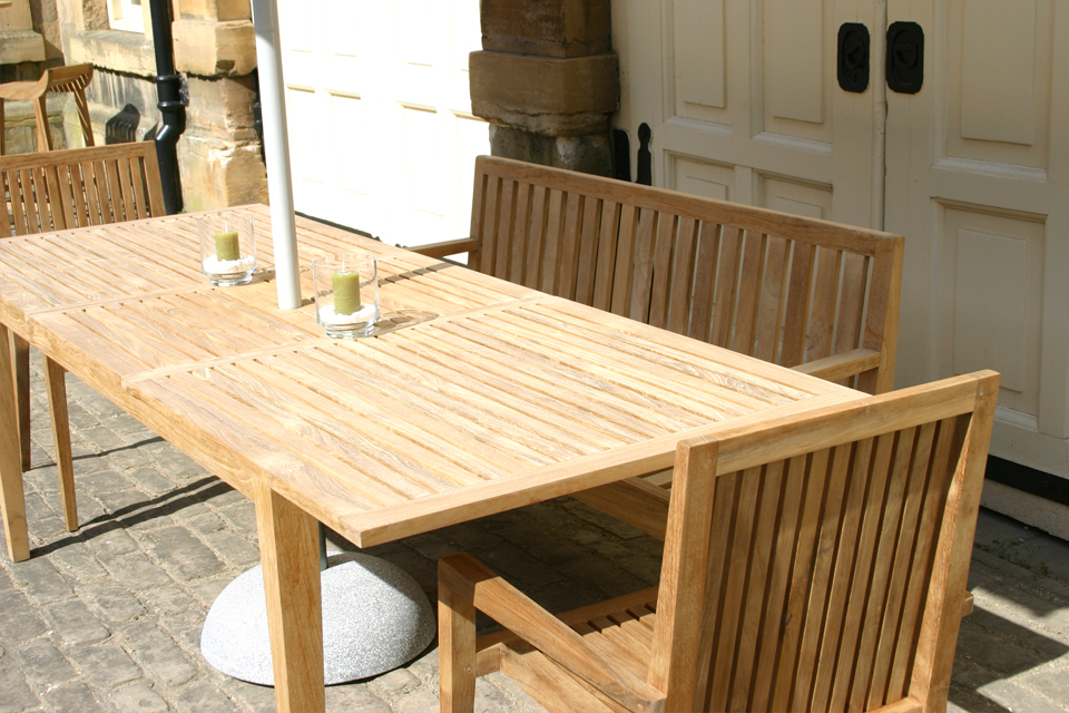 Favorite Extending Outdoor Dining Tables In Hampstead Extending Garden Dining Table – Bau Outdoors (Gallery 7 of 20)
