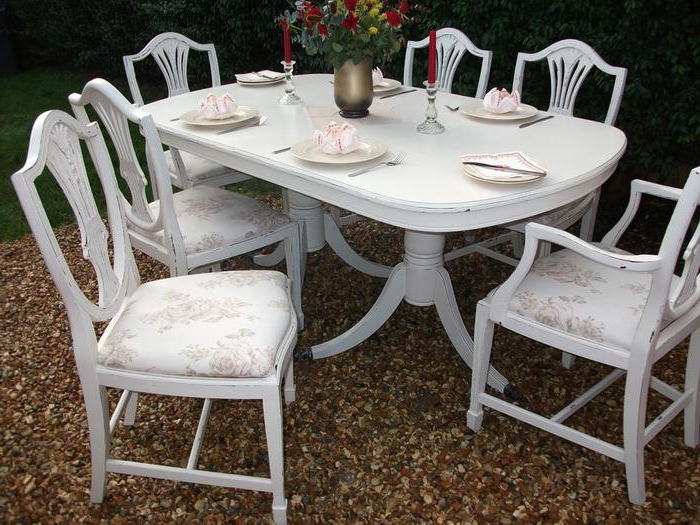 Favorite Shabby Dining Tables And Chairs Inside  (View 3 of 20)