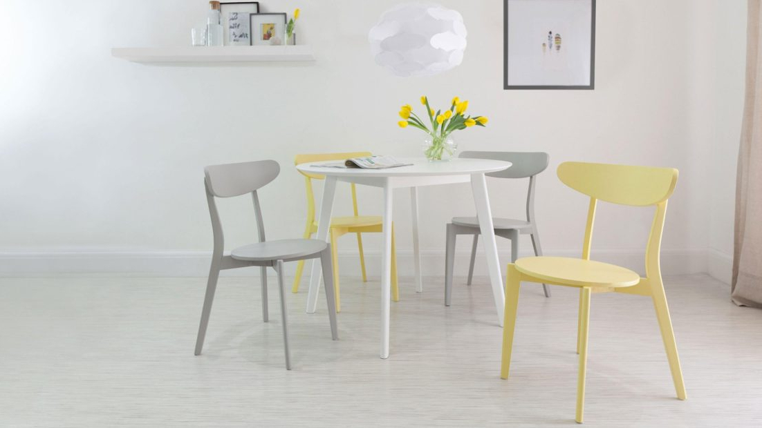 Favorite Small Round Kitchen Table 4 Seater White Dining And Modern Chairs Pertaining To Small Round White Dining Tables (View 9 of 20)