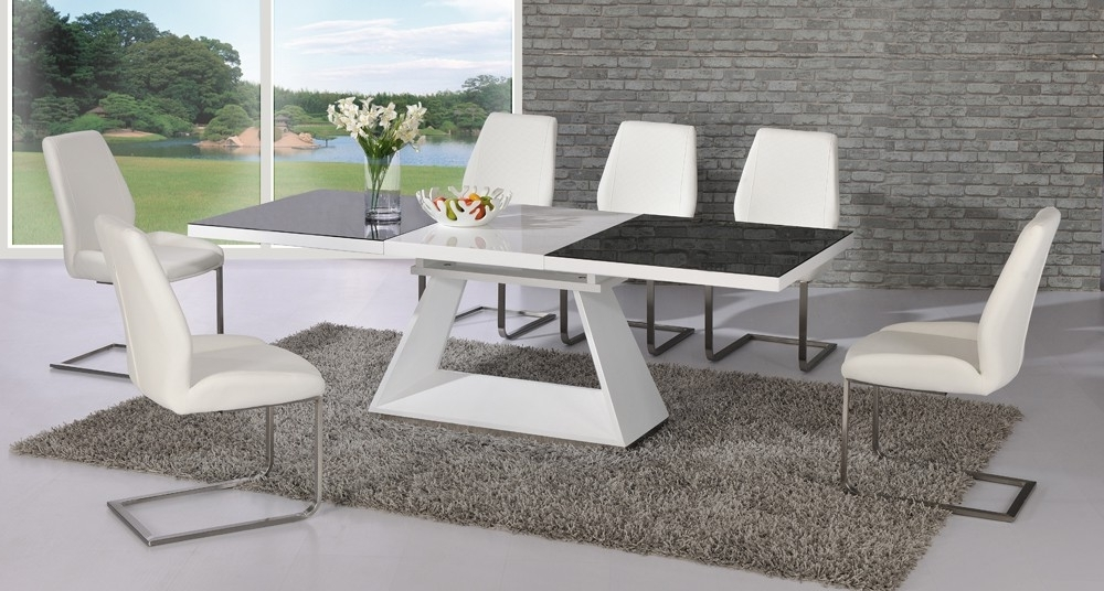 Giatalia Italia Black And White Extending Dining Table With 6 Mariya For Recent Black Glass Dining Tables With 6 Chairs (View 12 of 20)