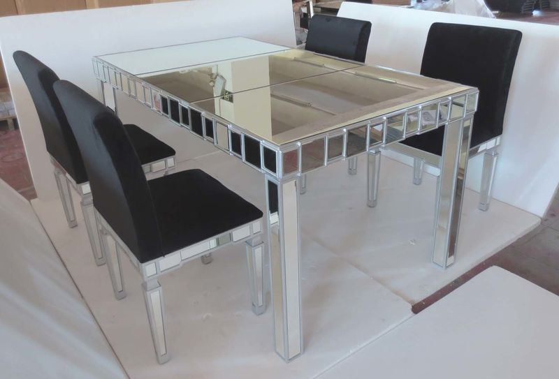 Glass Mirrored Dining Table With Chair Inside Most Recent Mirrored Dining Tables (View 2 of 20)