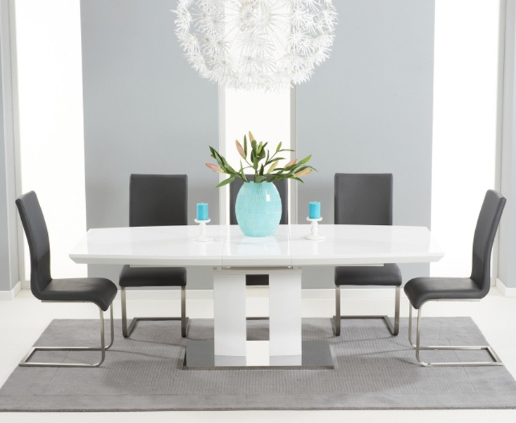 High Gloss White Extending Dining Tables Intended For Well Known Courbe White High Gloss Extendable Dining Table (View 18 of 20)