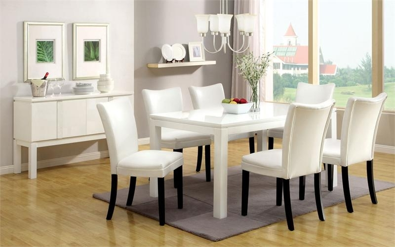 Imágenes De White Dining Room Table With Chairs Regarding Famous Combs 5 Piece 48 Inch Extension Dining Sets With Pearson White Chairs (View 16 of 20)
