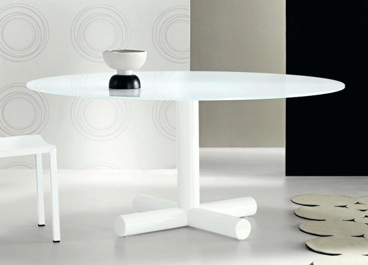 Large White Round Dining Tables For Best And Newest Large White Round Dining Room Table High Gloss Furniture And Chairs (Gallery 5 of 20)