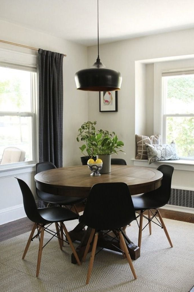 Lassen 5 Piece Round Dining Sets With Well Known Modern Round Dining Table Extendable (View 11 of 20)