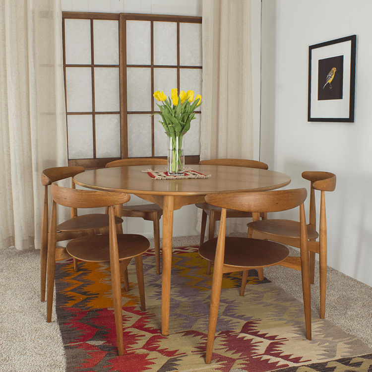 Lassen Round Dining Tables With Regard To Current Hans Wegner Round Table And 6 Heart Chairs – Midmod Decor (View 10 of 20)