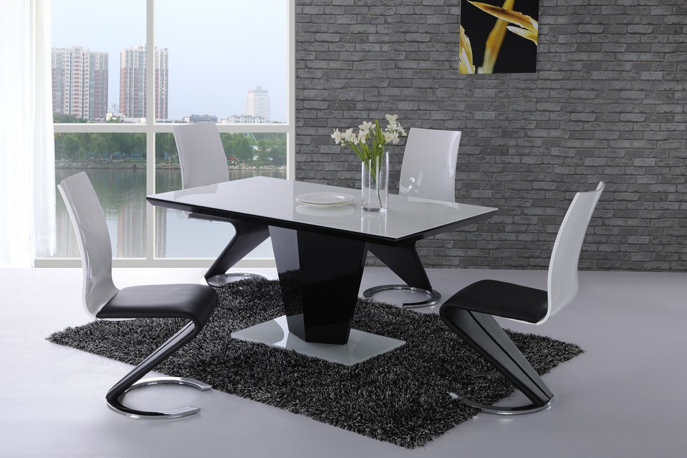 Latest Hi Gloss Dining Tables Within Leona Black High Gloss White Glass Designer Dining Table – £ (View 9 of 20)