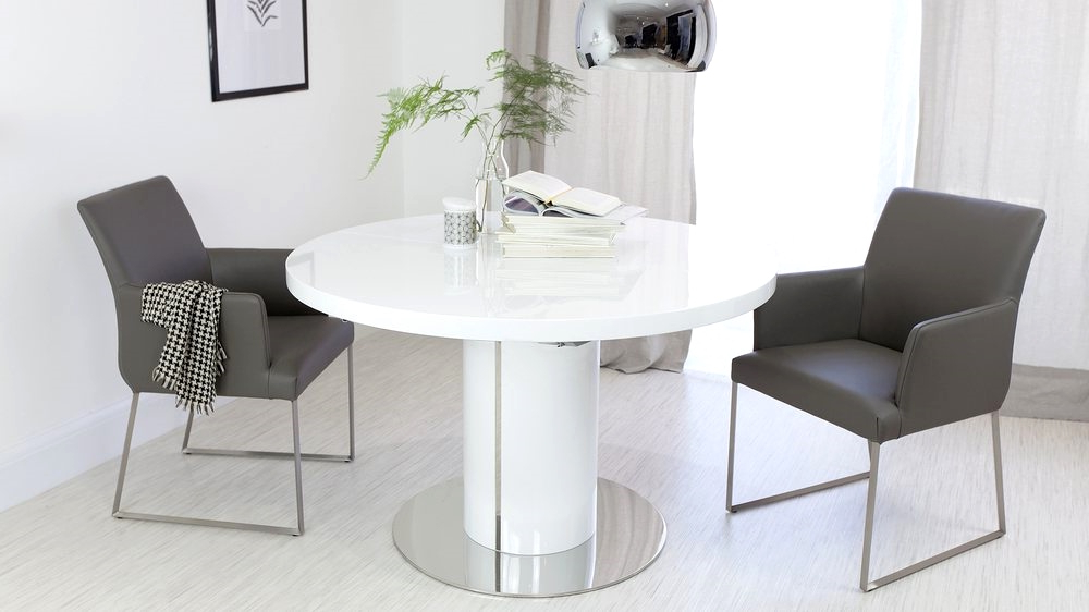Latest White Gloss Round Extending Dining Tables Intended For Round White Gloss Extending Dining Table And Real Leather Dining (View 7 of 20)