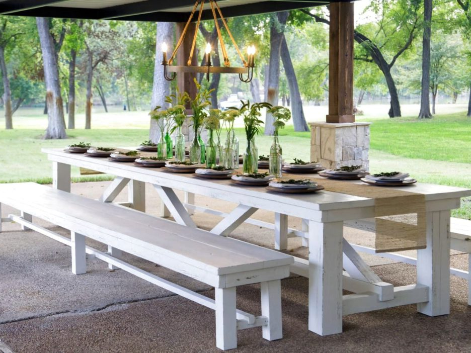 Long Narrow Wooden Dining Table In White Lacquer Finished With H Intended For Most Recent Cream Lacquer Dining Tables (View 13 of 20)