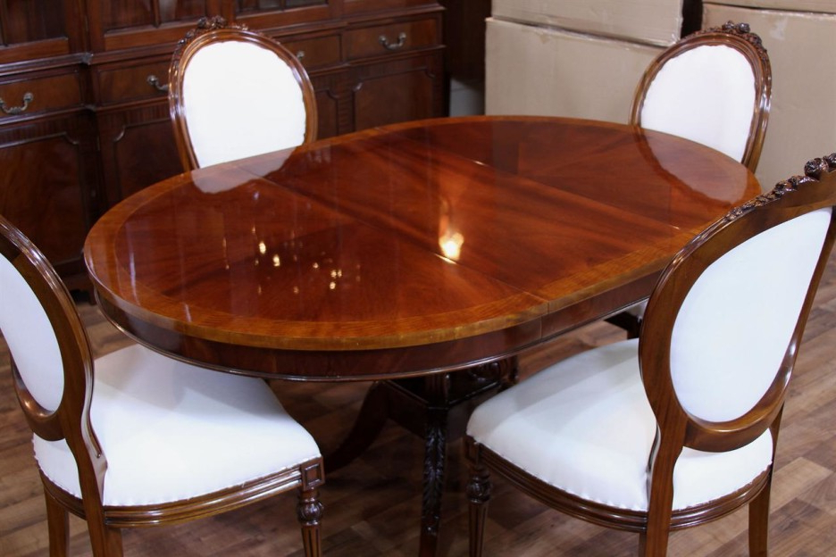 Mahogany Dining Table Sets Throughout Most Recent Mahogany Dining Room Table And Chairs – Mahogany Dining Table (View 6 of 20)