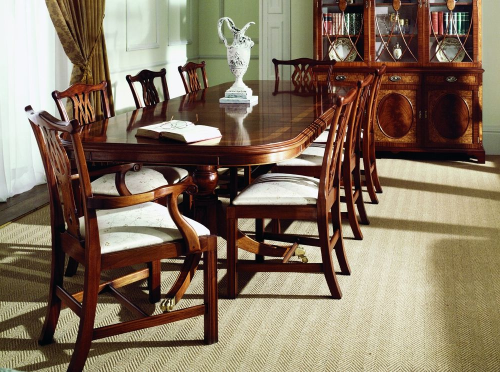 Mahogany Extending Dining Tables For Recent Traditional Mahogany Extending Dining Table (View 5 of 20)