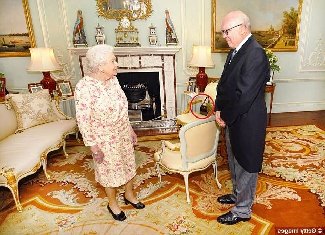 Mandy Paper White Side Chairs Regarding Widely Used The Queen Placed Her Handbag On Side Chair During Her Meeting With (View 13 of 20)
