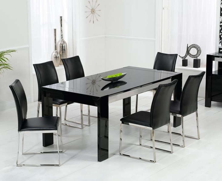 Most Popular Black Gloss Dining Tables Throughout Enchanting Black High Gloss Dining Table And Chairs (View 13 of 20)