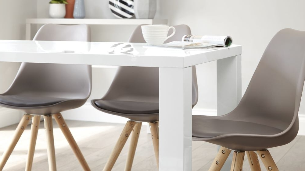 Most Popular Cheap 6 Seater Dining Tables And Chairs With Regard To Modern White Gloss Dining Table (View 13 of 20)