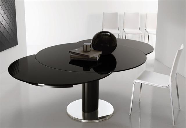 Most Popular Extending Round Dining Tables Inside Giro Modern Italian Extending Round Table (View 18 of 20)