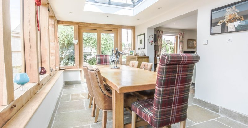 Most Popular Partridge 6 Piece Dining Sets With Regard To Country Properties For Sale In Hampshire, Andover, Winchester (View 11 of 20)