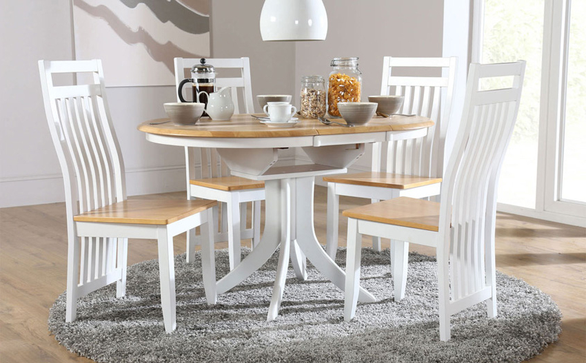 Most Popular Round Extending Dining Table Sets – Castrophotos In Extendable Dining Room Tables And Chairs (View 6 of 20)