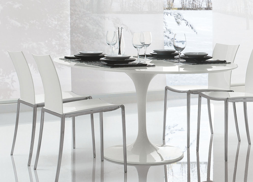 Most Recent Saarinen Tulip Round Dining Table (View 15 of 20)