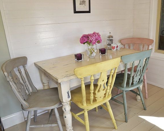 Most Recent Shabby Chic Dining Sets Within Shabby Chic Farmhouse Dining Table With Four Multicoloured Chairs (View 9 of 20)