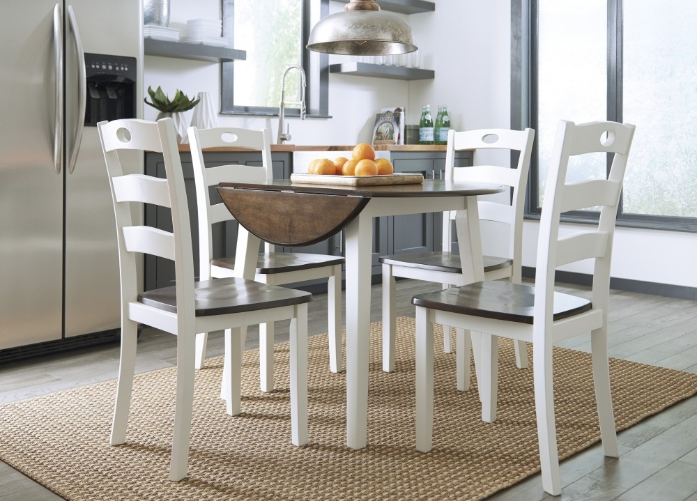 Most Recent Woodanville Round Drm Drop Leaf Table & 4 Dining Room Side Chairs With Market Side Chairs (View 14 of 20)