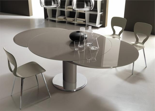 Most Recently Released Giro Modern Italian Extending Round Table With Regard To Glass Round Extending Dining Tables (View 8 of 20)