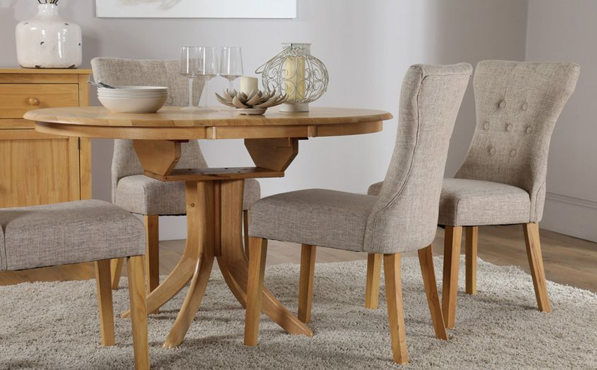 Most Up To Date Extending Dining Table Sets Throughout Hudson Round Oak Extending Dining Table – With 4 Bewley Oatmeal (View 16 of 20)