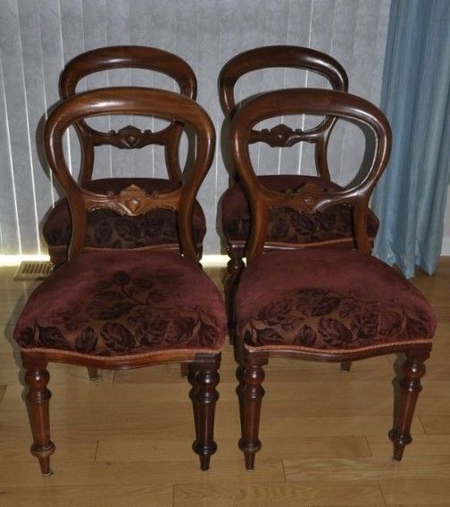 Most Up To Date Mahogany Dining Tables And 4 Chairs For Classic Queen Anne Style English Made Mahogany Dining Table With Set (View 17 of 20)