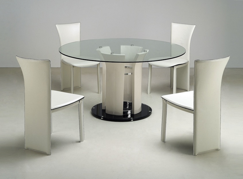 Most Up To Date Sleek Dining Tables With Sleek Round Glass Dining Tables That Make A Stylish Impression (View 6 of 20)