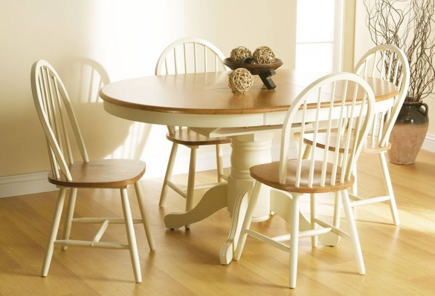 Newest Cotswold Dining Tables With Vida Living – Cotswold Extending Dining Table With 4 Or 6 Windsor (Gallery 4 of 20)