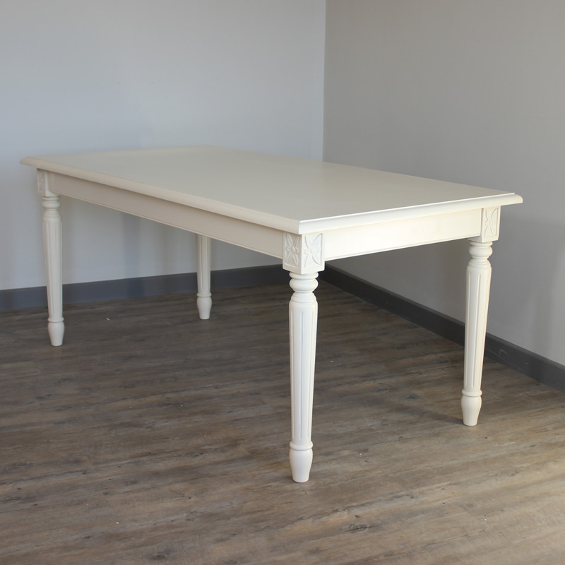 Newest Cream Dining Table – Melody Maison® For Dining Tables London (View 12 of 20)