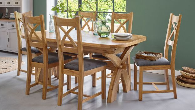 Featured Photo of Oak Furniture Dining Sets