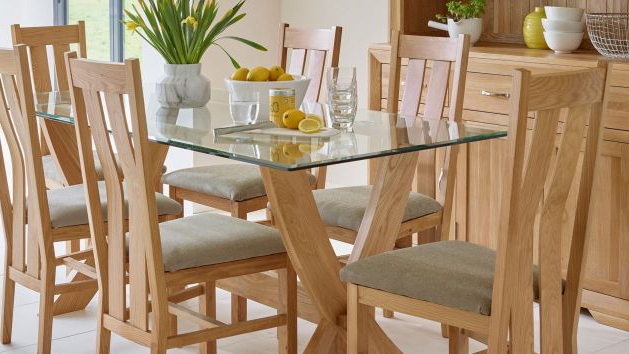 Oak & Glass Dining Tables (View 13 of 20)