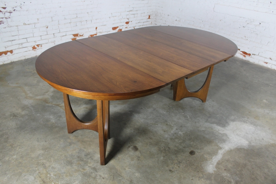 Outdoor Brasilia Teak High Dining Tables Regarding Well Known Sold – Mid Century Modern Broyhill Brasilia 6140 45 Round Pedestal (View 13 of 20)