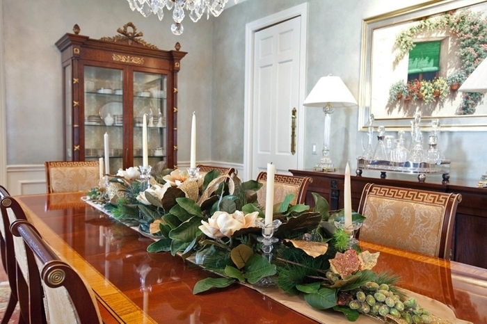 Popular Artificial Floral Arrangements For Dining Tables Inside  (View 17 of 20)