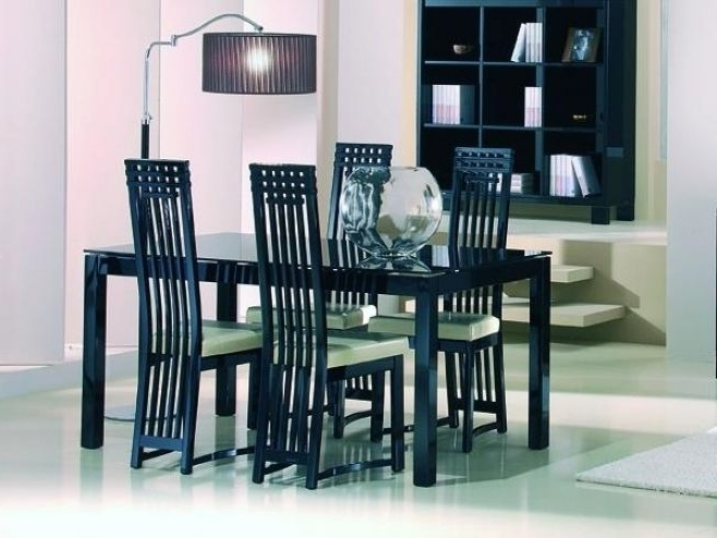 Popular Casabella Black Or White Glass & High Gloss Dining Table In 2 Sizes Within Black Gloss Dining Furniture (View 13 of 20)