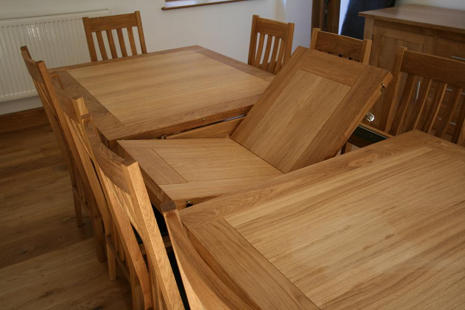 Popular Extending Dining Table Sets Uk – Castrophotos Throughout Extendable Oak Dining Tables And Chairs (View 14 of 20)