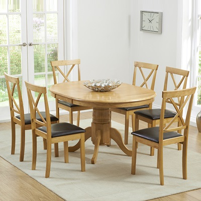 Popular Round Oak Extendable Dining Tables And Chairs Inside Elson Round Oak 6 Seater Extending Dining Set (View 9 of 20)
