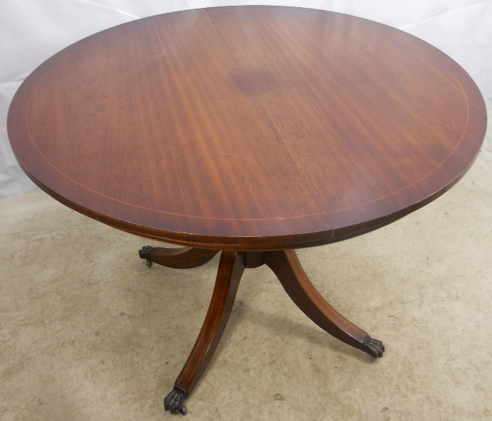 Regency Style Round Mahogany Extending Dining Table To Seat Six For Widely Used Mahogany Extending Dining Tables And Chairs (View 15 of 20)