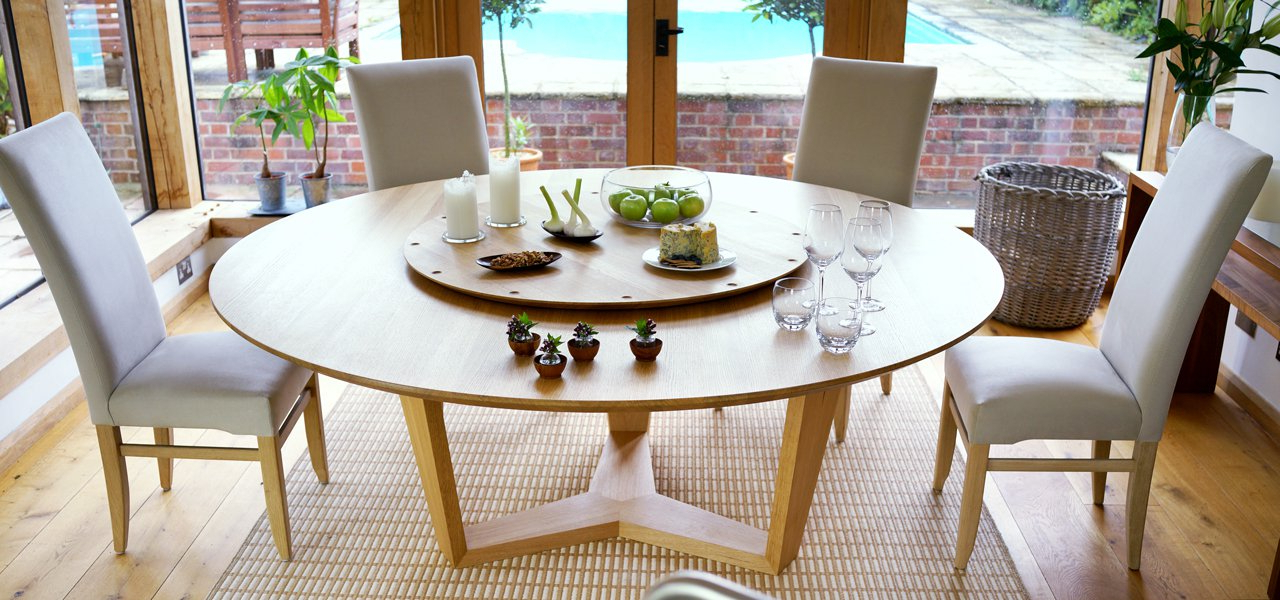 Round Extending Dining Tables Sets Intended For Trendy Contemporary Round Dining Table (Gallery 10 of 20)