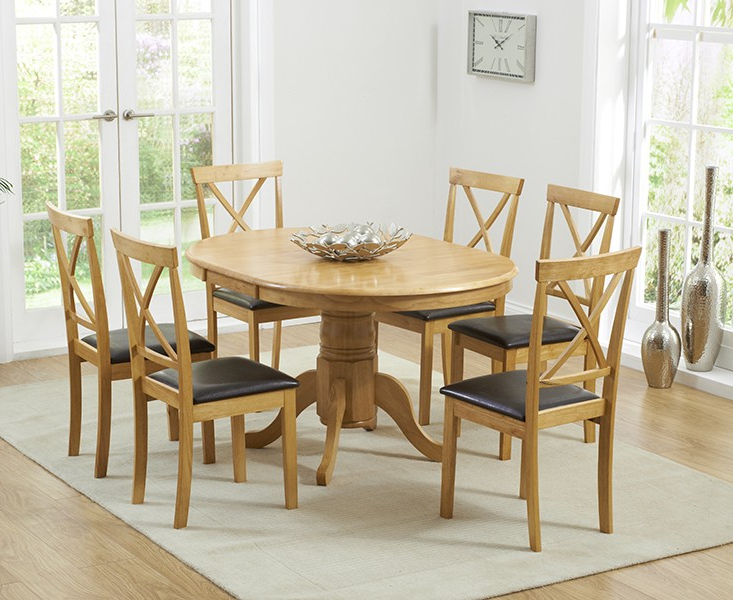Round Extending Oak Dining Tables And Chairs Inside Newest Hudson W Round Extending Oak Dining Table And Chairs 2018 Argos (View 5 of 20)