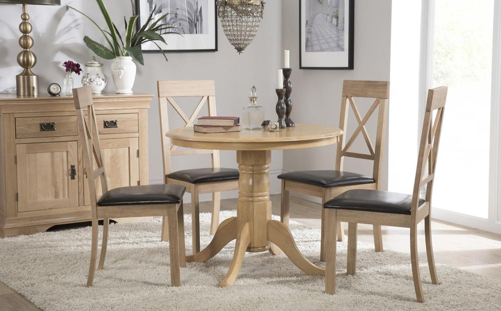 Round Oak Dining Tables And Chairs Regarding Most Recent Kingston Round Oak Dining Table With 4 Kendal Chairs (Brown Seat Pad (Gallery 16 of 20)