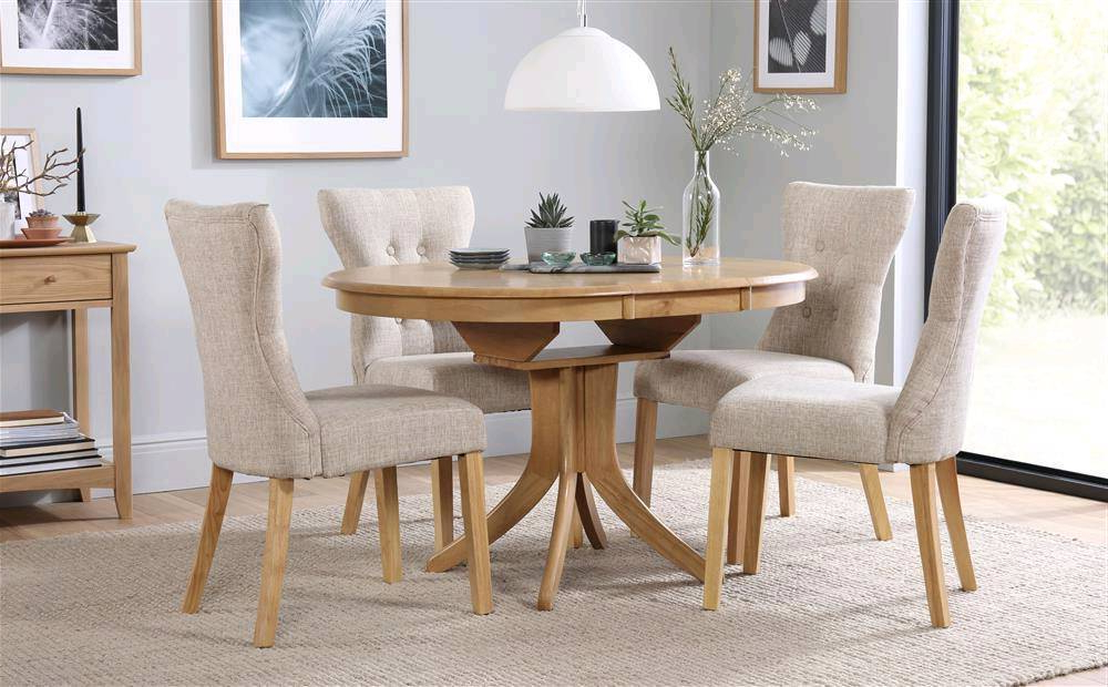 Round Oak Extendable Dining Tables And Chairs Regarding Favorite Round Oak Extending Dining Table And Chairs (View 8 of 20)
