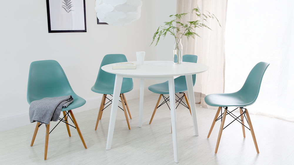 Round White Dining Tables With Most Current Round White Dining Table And Eames Dining Chair Set (View 4 of 20)
