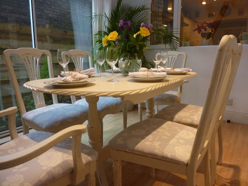 Shabby Chic Extendable Dining Tables For Best And Newest Shabby Chic Extending Dining Table With 6 Chairs Painted Vintage (View 5 of 20)