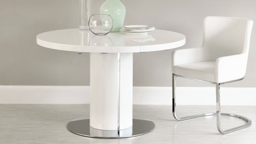 Small Round Extending Dining Tables In Fashionable White Gloss Round Extending Dining Table Set (Gallery 7 of 20)