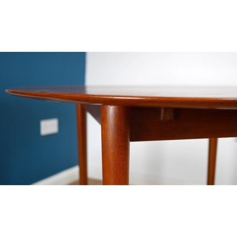 Solid Teak Model 311 Circular Extending Dining Table, Peter Hvidt For Widely Used Circular Extending Dining Tables And Chairs (View 17 of 20)