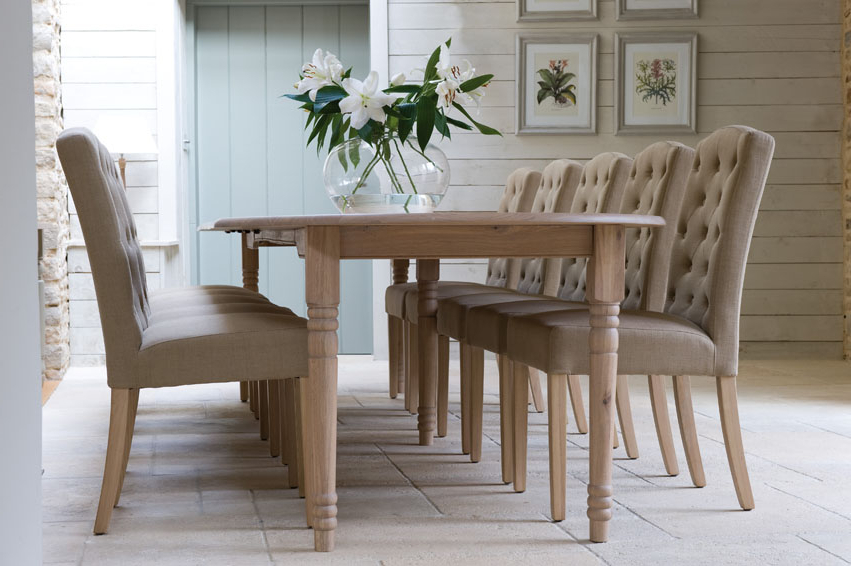 Tips On Choosing Fabric Dining Chairs With Oak Legs – Fif Throughout Preferred Oak Fabric Dining Chairs (View 19 of 20)