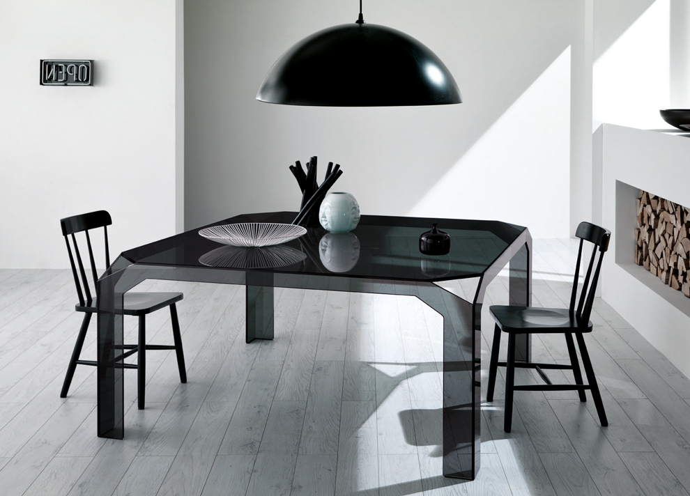 Tonelli Design Pertaining To Widely Used Square Black Glass Dining Tables (View 5 of 20)