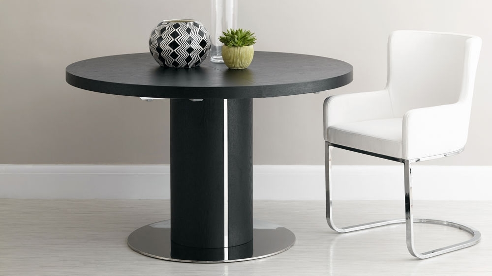 Trendy Black Ash Round Extending Dining Table (View 16 of 20)